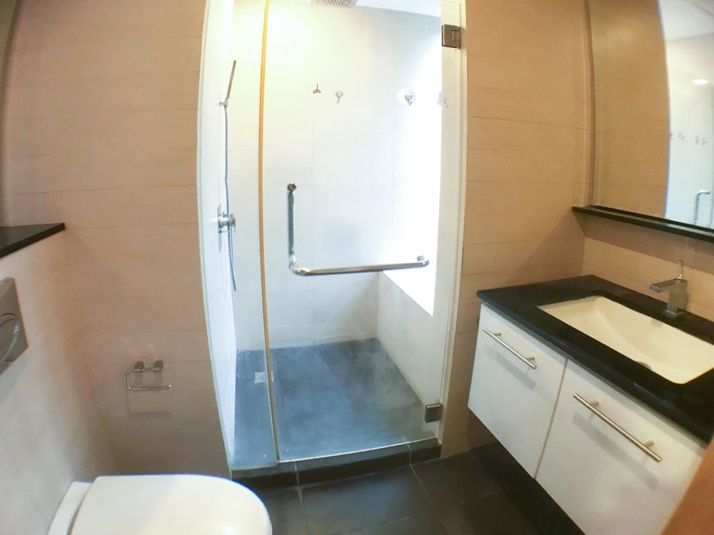 AR-R1.Bath