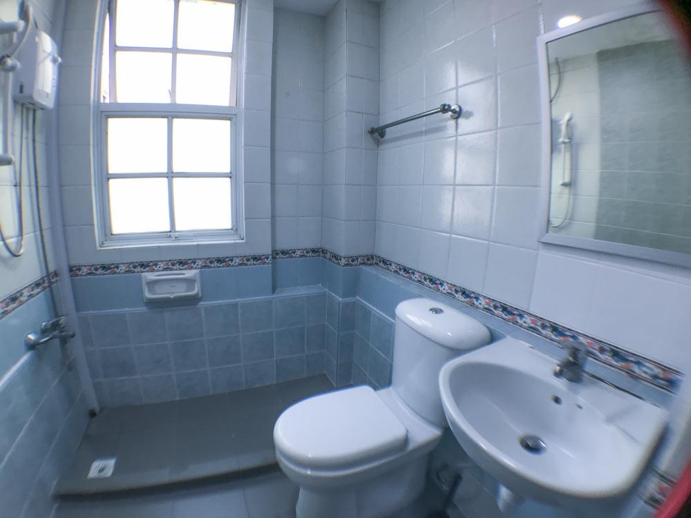 CV22r1-Bathroom