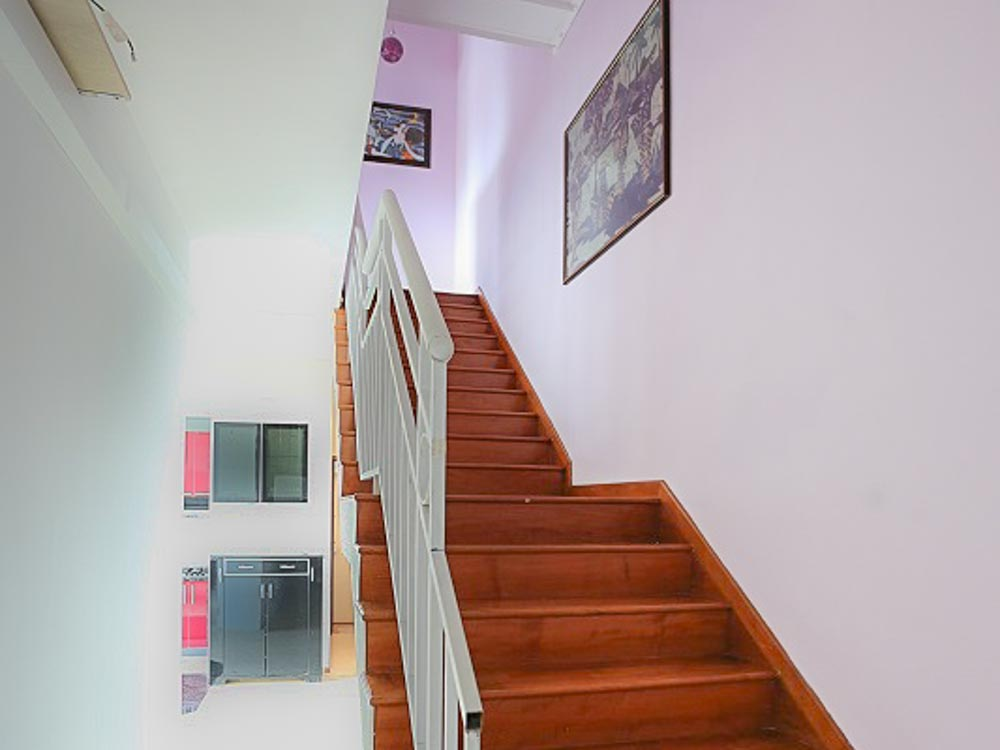 L9 Stairs