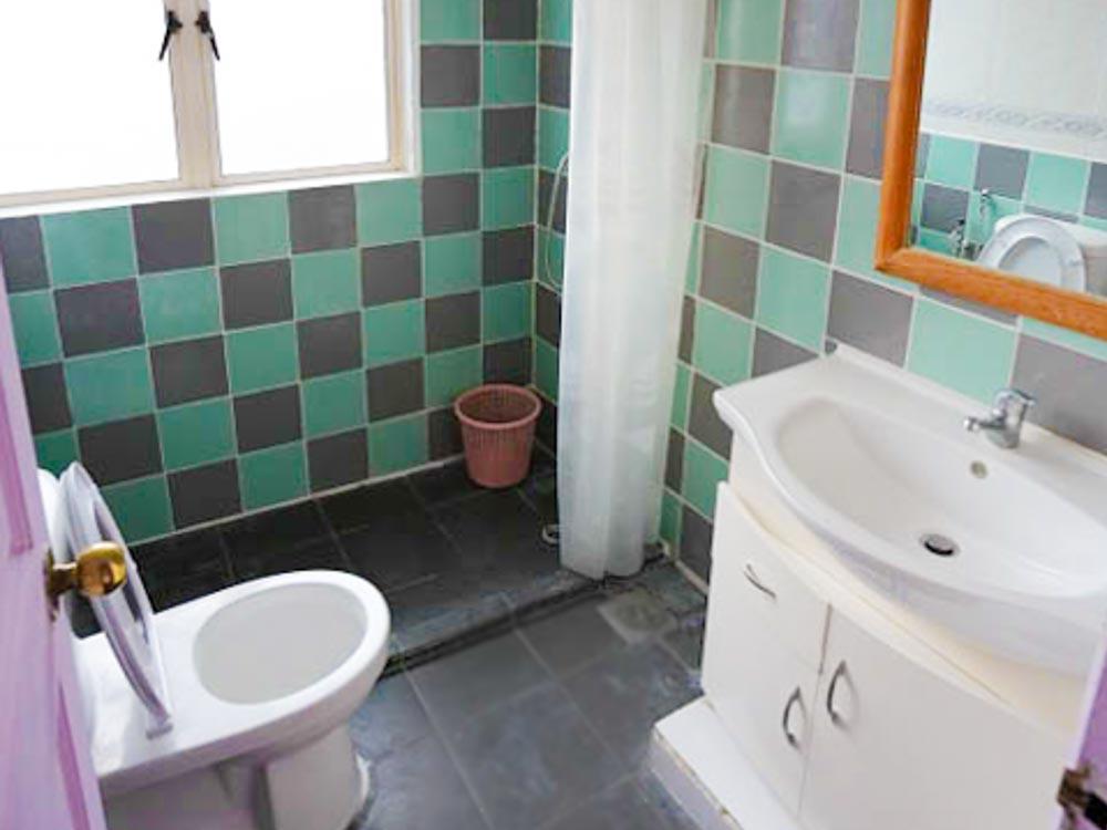 L9#4-R1.Bathroom