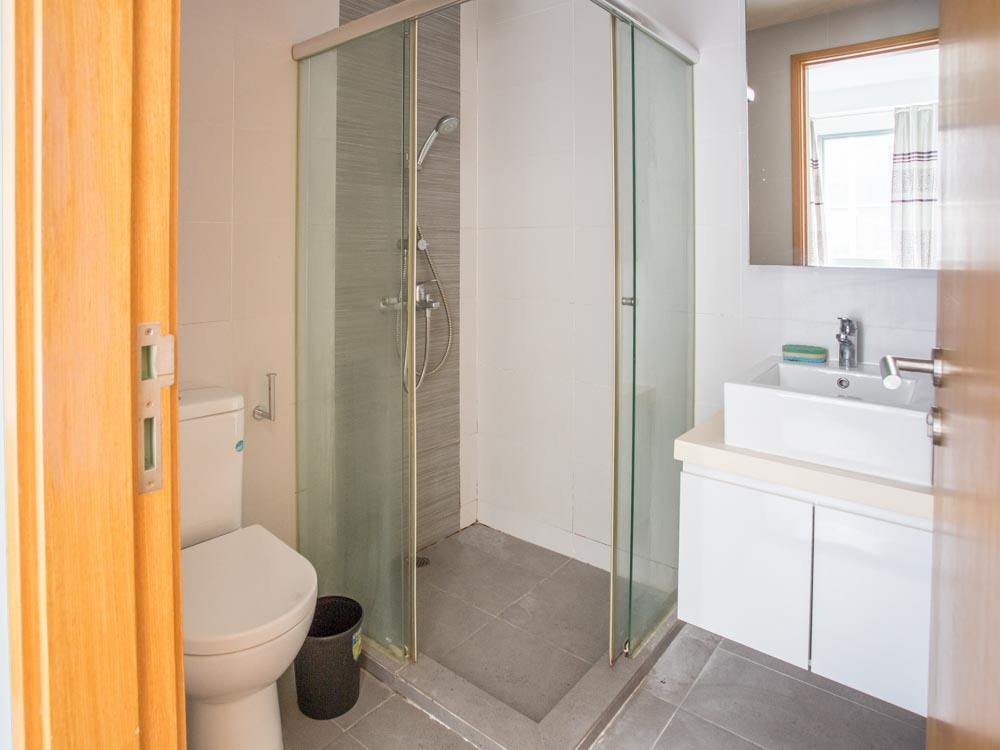 LBr1 bathroom 2021
