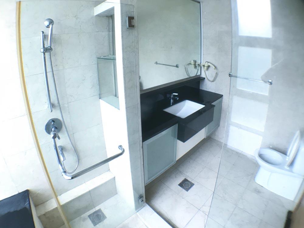OL-R1.Bathroom(2)
